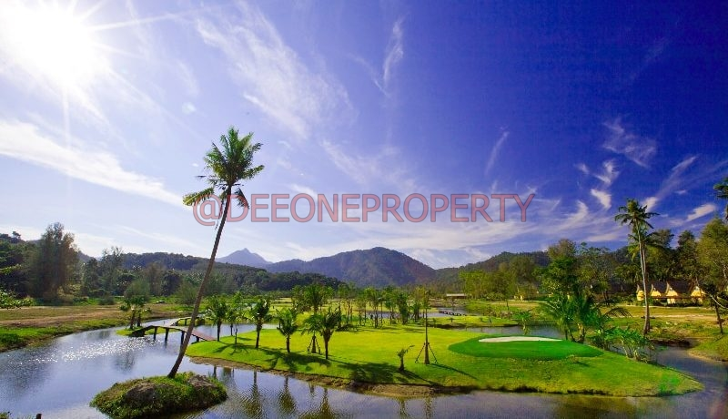 15.the_golf_course_right_behind_the_villa_1