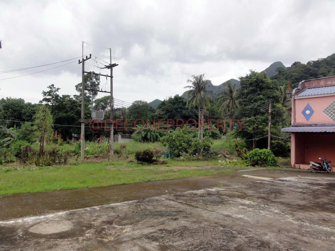 Grand Terrain à Louer sur la Route Principale – Chaiya Chet, Koh Chang