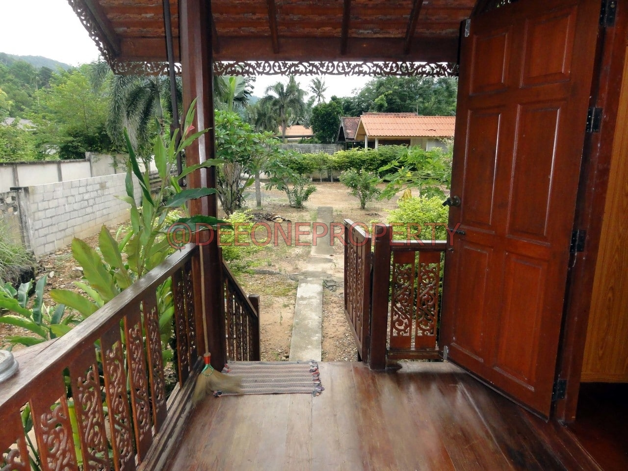 maison en bois louer klong son koh chang. Black Bedroom Furniture Sets. Home Design Ideas