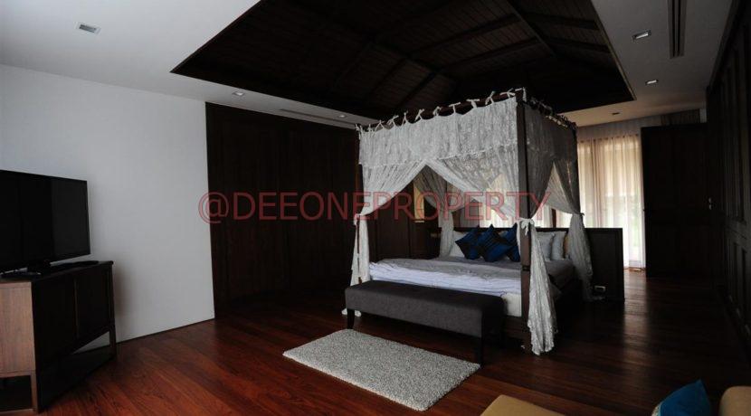 Master Bedroom_