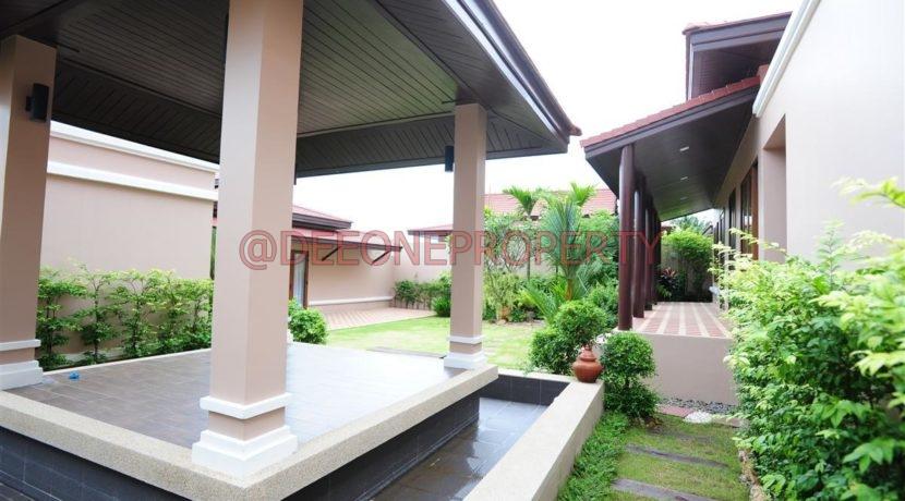 Sala and garden area