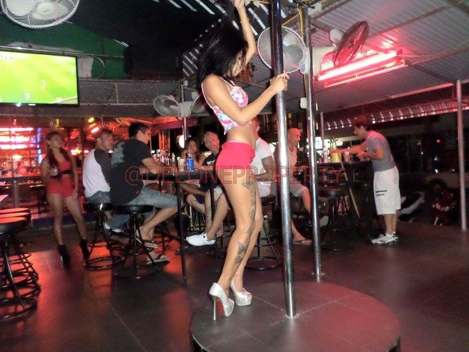 Lady Bar for Sale in Busy area – White Sand Beach, Koh Chang
