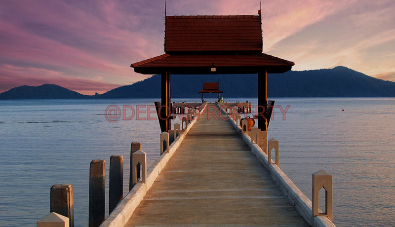 sunset pier small
