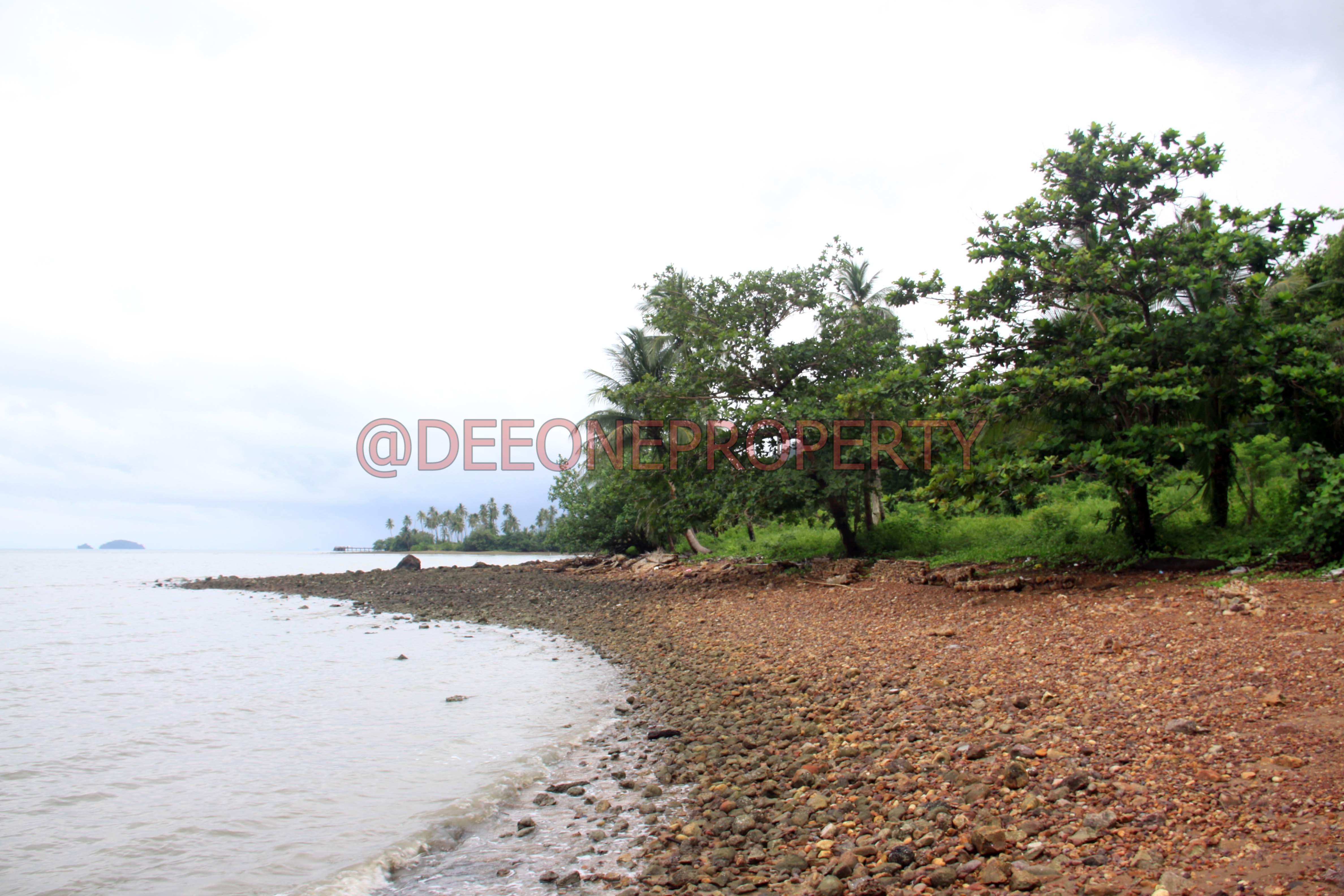 Big Sea Front Land on Main Road for Sale – Dan Mai, Koh Chang