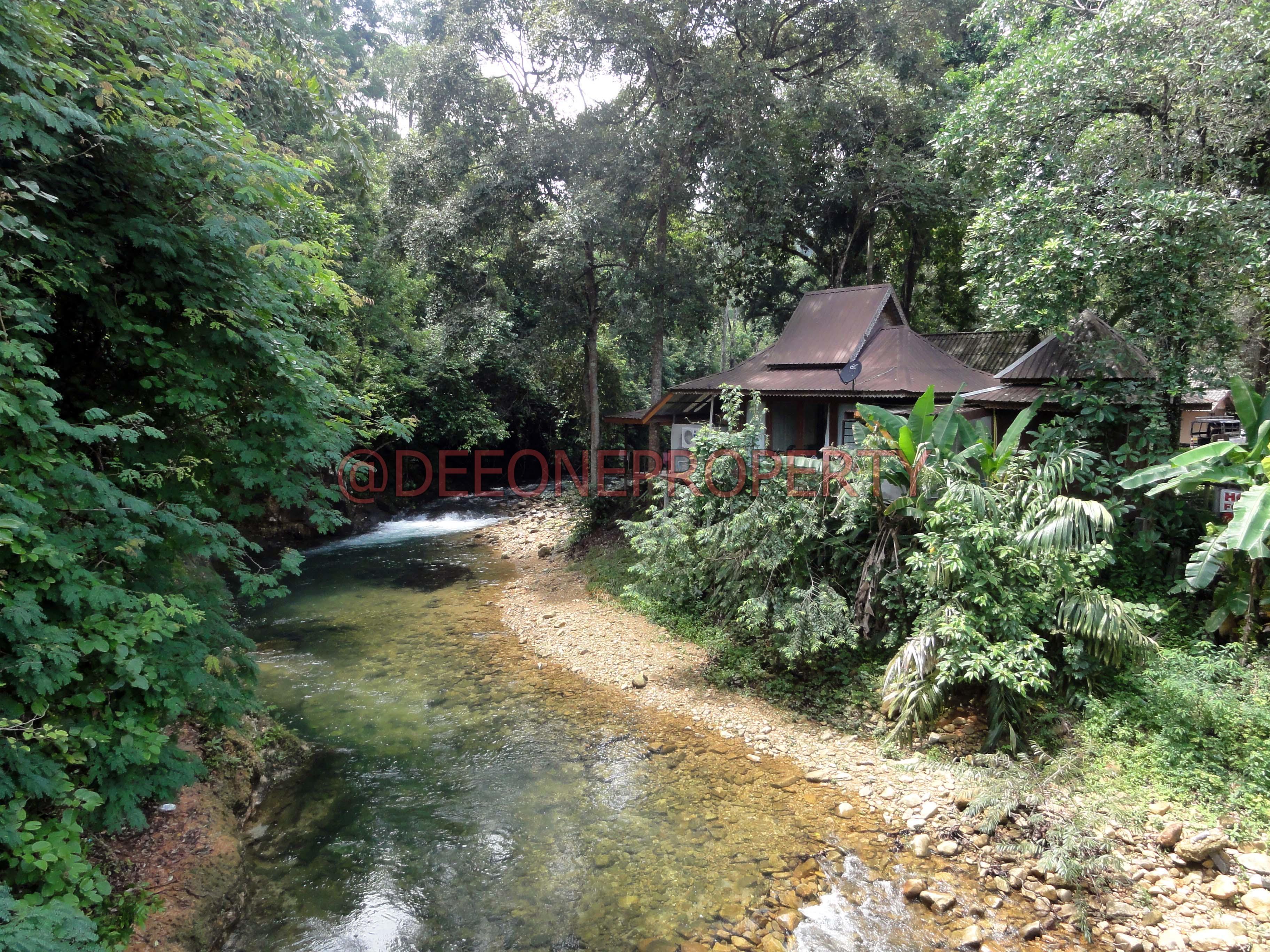resort avec terrain vendre au bord d 39 une rivi re klong prao koh chang. Black Bedroom Furniture Sets. Home Design Ideas