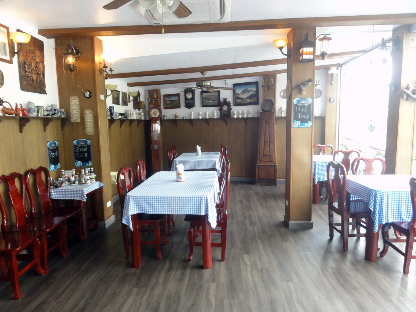 Restaurant Fully Furnished on Main Road for Rent – White Sand Beach, Koh Chang