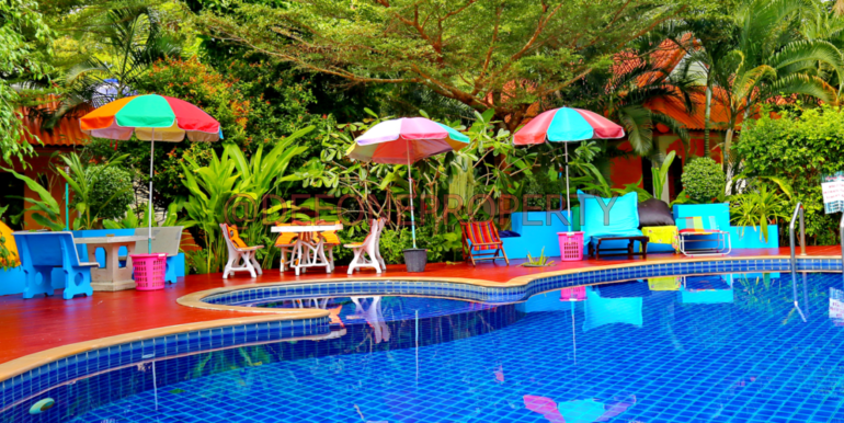 pool-resort-koh-chang-thailand-1920x675
