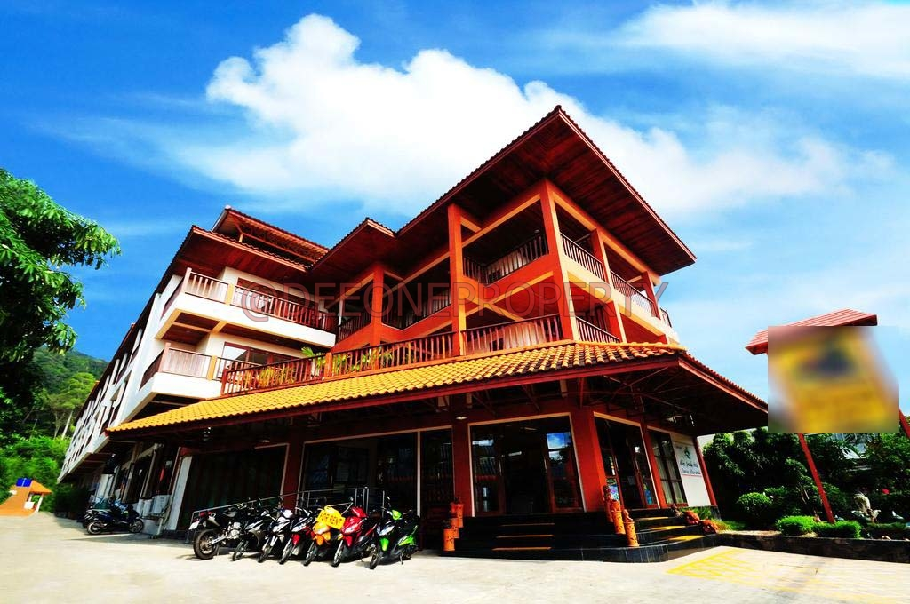 Large Popular Hotel close to Beach for Sale – White Sand Beach, Koh Chang