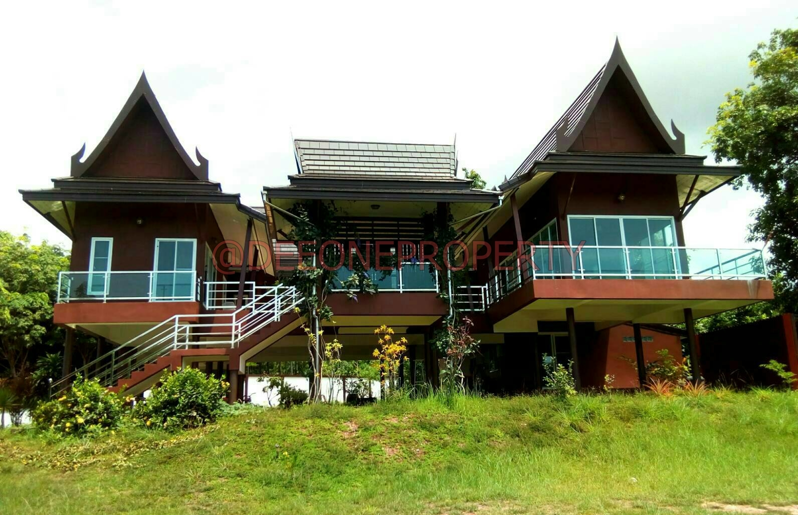 Guesthouse and Restaurant with Land for Sale – Trat