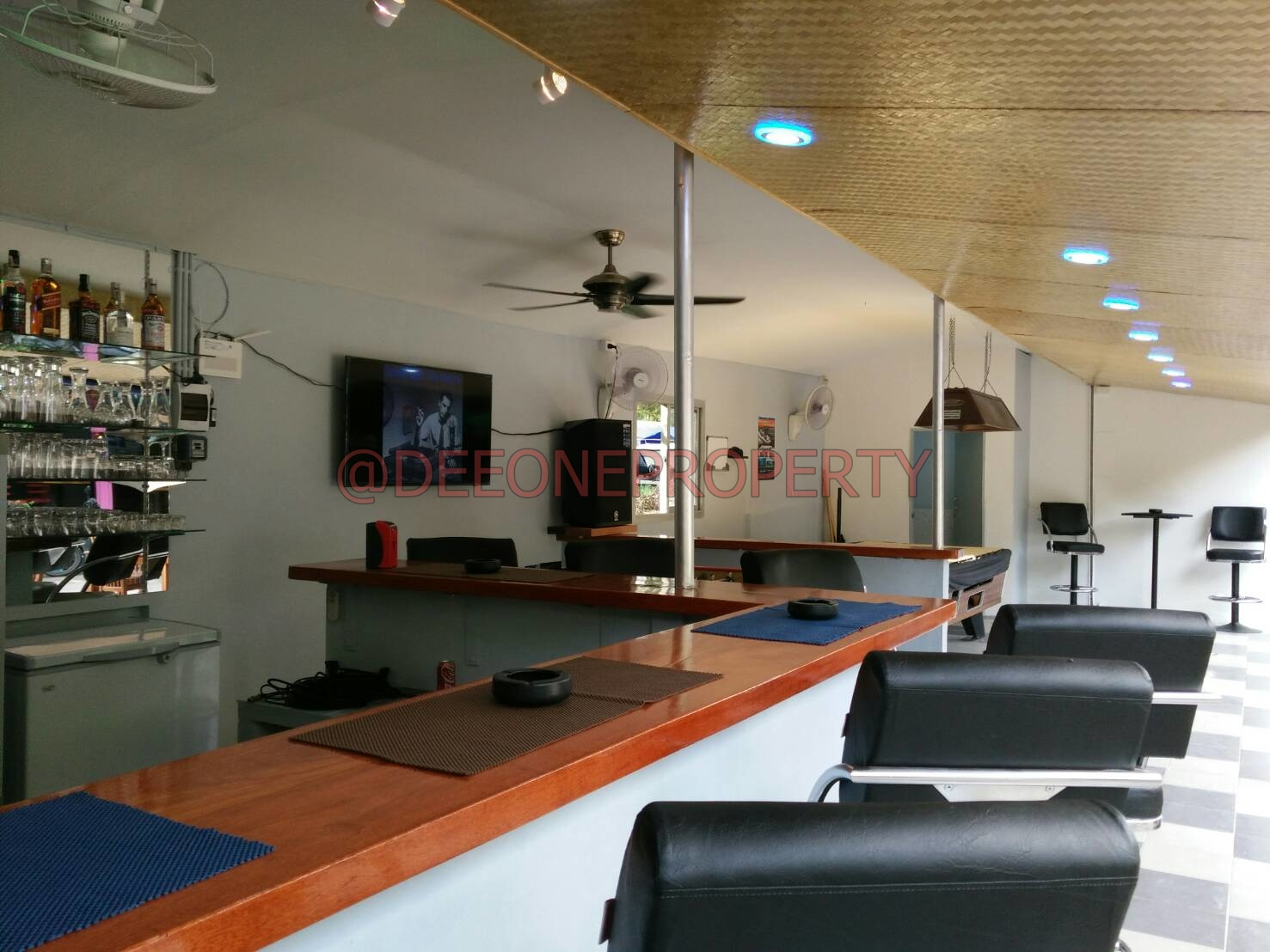 Fully Furnished Bar in Popular Area for Sale – Kai Bae, Koh Chang