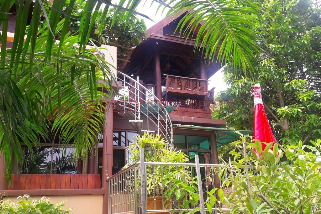 Cozy 3 Storey Villa with Land for Sale – Koh Mak