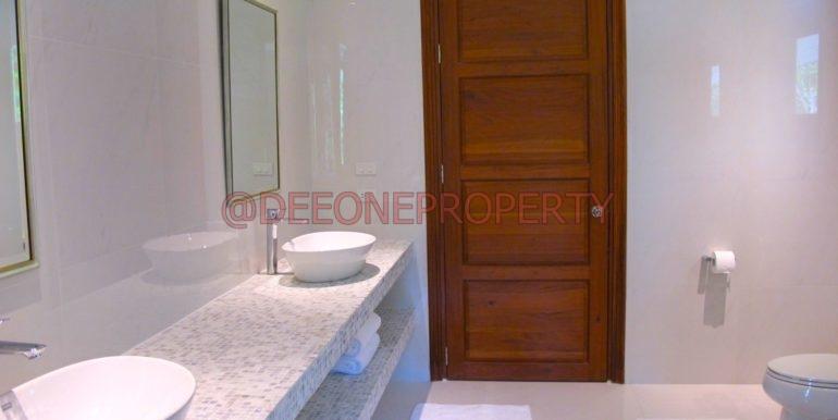 guestroom1 bath1