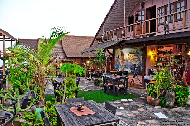 Above the Sea Restaurant / Lounge Bar / Guesthouse – Bang Bao,Koh Chang