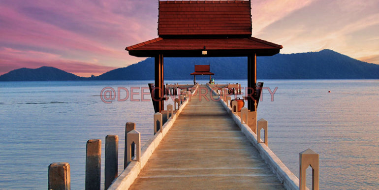 sunset pier small