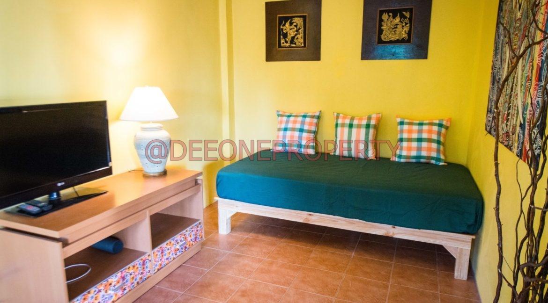 Apartment_bedroom_02