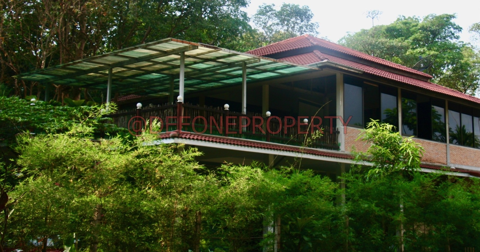 Land + 3 houses for Sale – North West Coast, Koh Chang